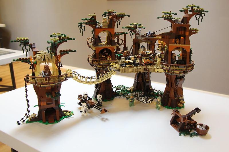 Review of 10236 Ewok Village, by Legend Bricks
