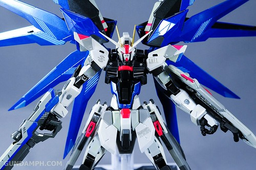 Metal Build Freedom Gundam Prism Coating Ver. Review Tamashii Nation 2012 (60)