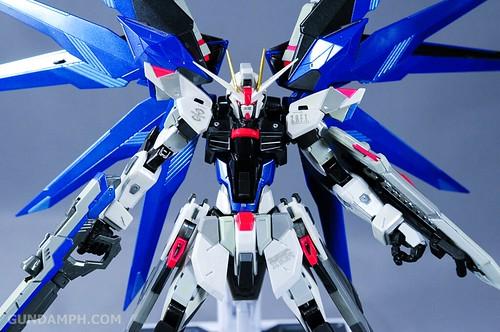 Metal Build Freedom Gundam Prism Coating Ver. Review Tamashii Nation 2012 (60)