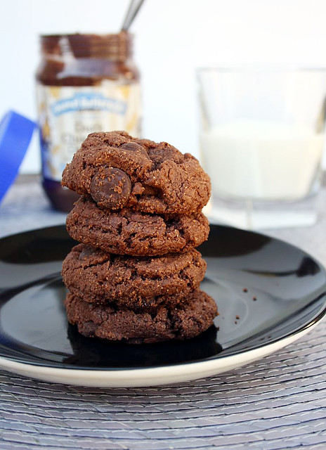 Flourless Dark Chocolate Peanut Butter Cookies