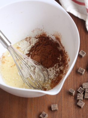 Two-Minute Chocolate Mug Cake / www.completelydelicious.com