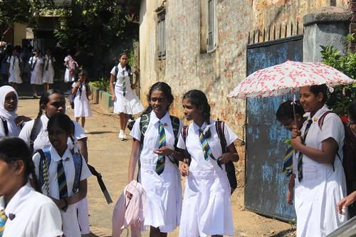 20130116_7398-Kandy-schoolgirls_Vga