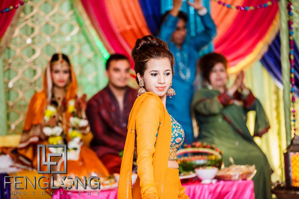 Dance performances on Mehndi night of this Pakistani Bengali Muslim wedding