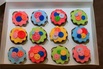 Cute Buttons baby shower cupcakes