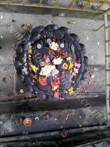 Kamakshi Paadham. Velleeswarar Temple, Mangadu