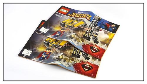 LEGO Super Heroes DC Universe 76002 Superman Metropolis Showdown 05