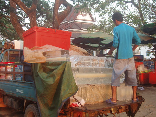 201003040920_ice-delivery
