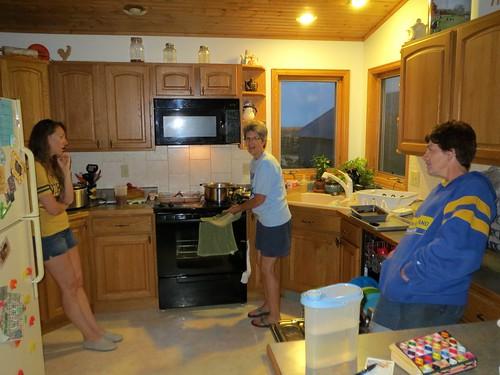 Z Crew: Women in the kitchen