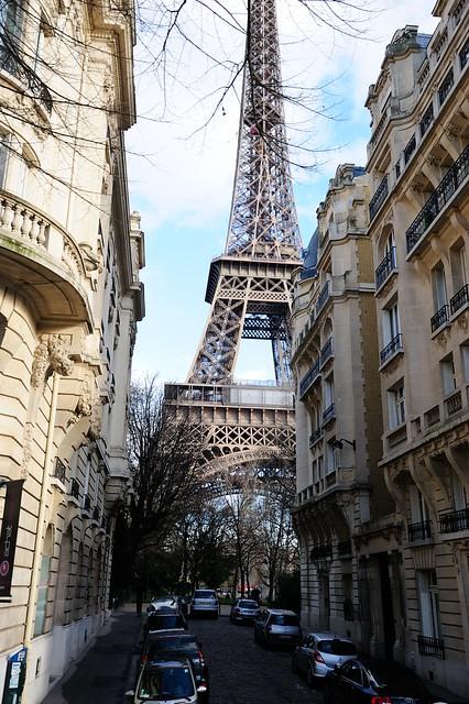 EiffelInBetween