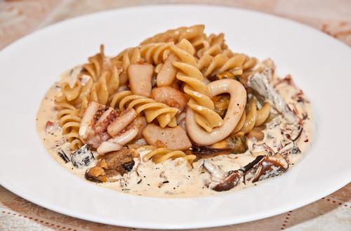 Seafood Pasta with Hot Mushrooms Sauce