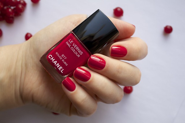 09 Chanel #677 Rouge Rubis swatches