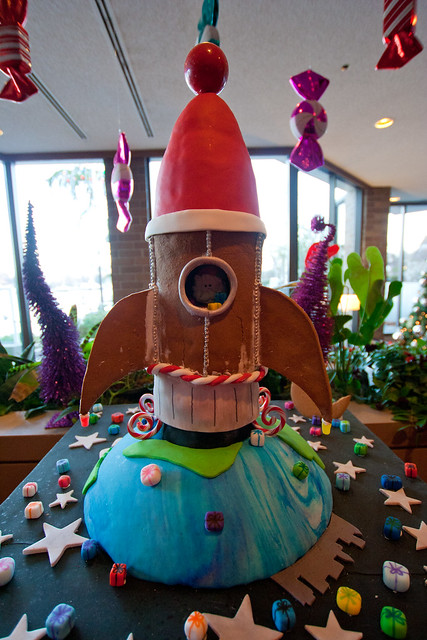 Gingerbread House 2013-3548