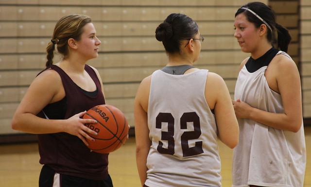 girls-basketball