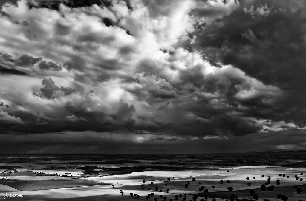 3. La Mancha de Toledo en blanco y negro. Autor, Julián Lozano