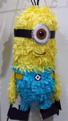 Minion piñata...