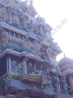 Image of Vishnu in the main Vimanam. Velleeswarar Temple, Mangadu.