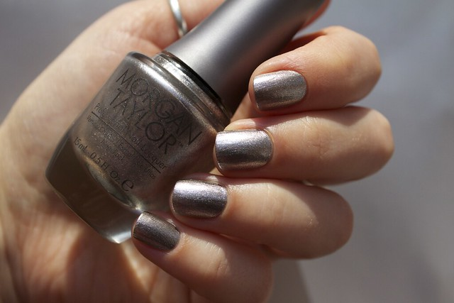 08 Morgan Taylor Chain Reaction swatches