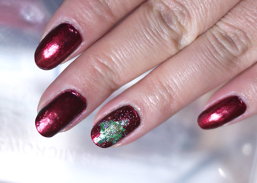 Holiday Nails Oh Christmas Tree