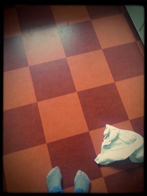 På golvet