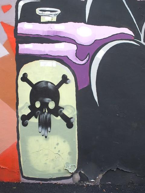 Om ni vore street art on Elm Street, Cardiff