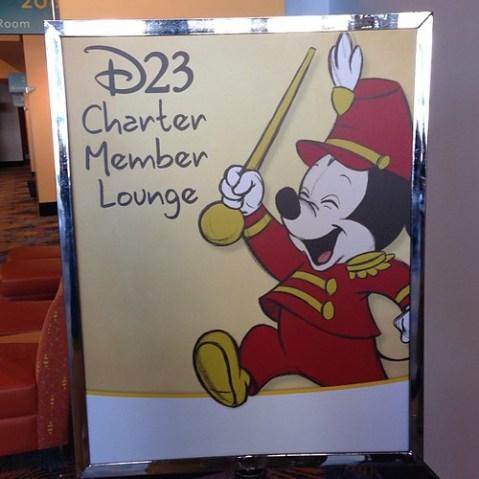 D23の初年度からの会員のみが入れるラウンジ。といってもゆっくり休めてコーヒー飲めるくらい。