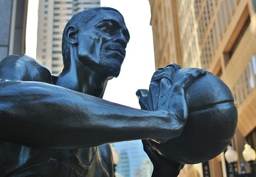 Bill Russell statue