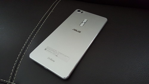 Zenfone 3 Ultra ด้านหลัง