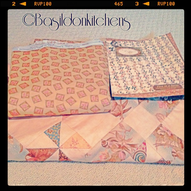 "Sep 2 - Labour Day {for me it's a 'quilting' day. I hope to sandwich ""Baltimore Pinwheels""} #photoaday #quilt #quilting #sandwich #reproduction #moda"