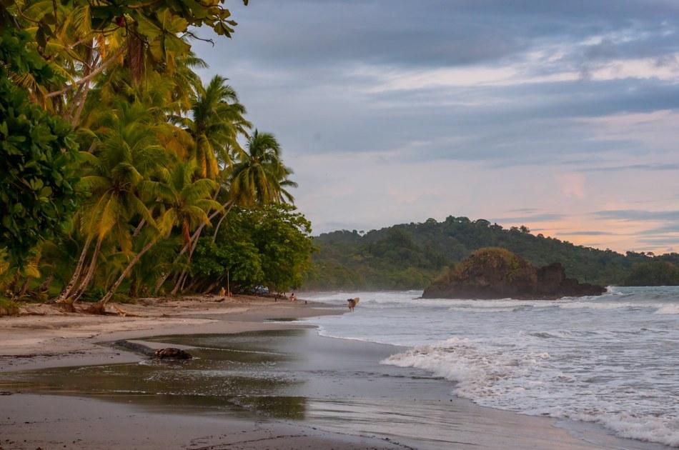 Playa Espadilla Costa Rica-6