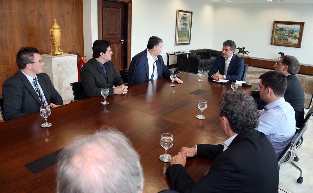 Governador assina contrato de arrendamento de R$20 milhões no Porto de Antonina 3