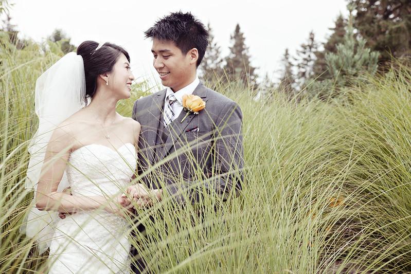 McMichael Gallery Toronto Candid Wedding Photography
