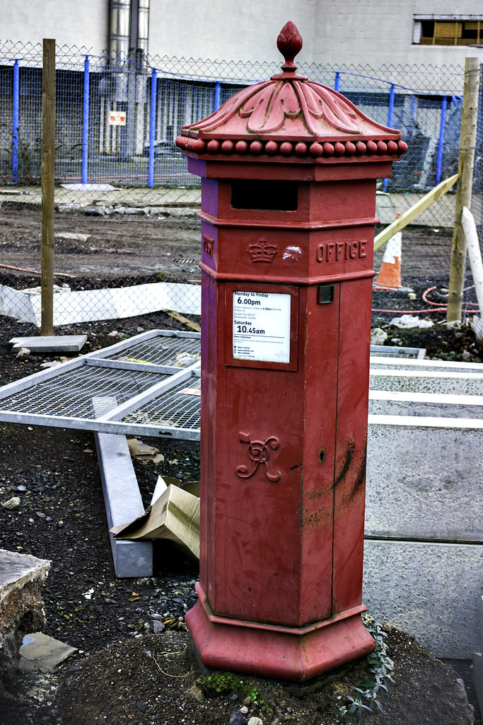 penfold post box dundee