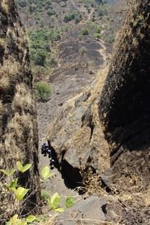 2 feet steps saras gad pali
