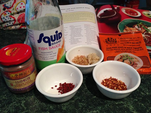 Fine shrimp paste, fish sauce, annato seeds, sugar, lemongrass, garlic, chile pepper flake and Bun Bo Hue spice packet.