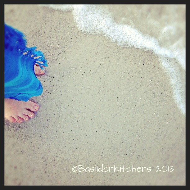 Sep 19 - what is this? {my toes on vacation} #fmsphotoaday #florida #gulfofmexico #madeirabeach #titlefx #beach