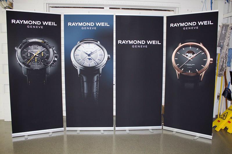 Raymond Weil: Pro-L33 stands