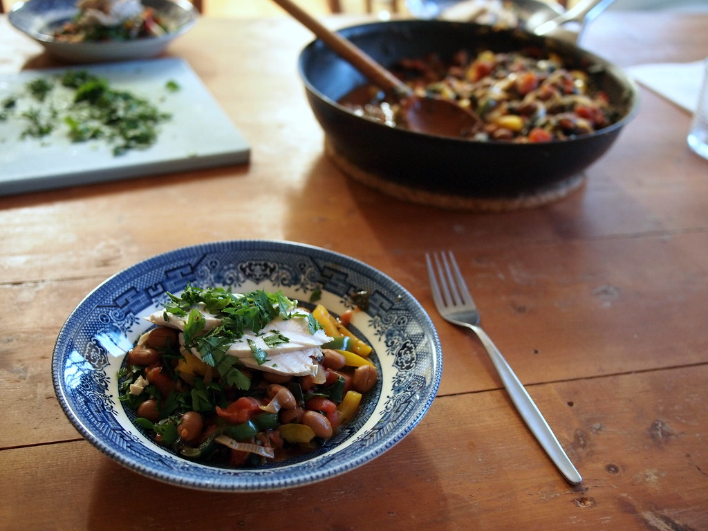 Spicy beans with poached chicken