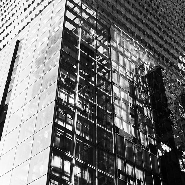 Glass box (high contrast JPEG)