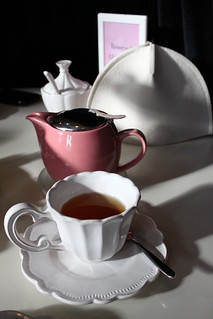 Individul tea pot with cozy