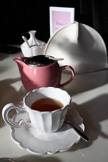 Individul tea pot with cozy