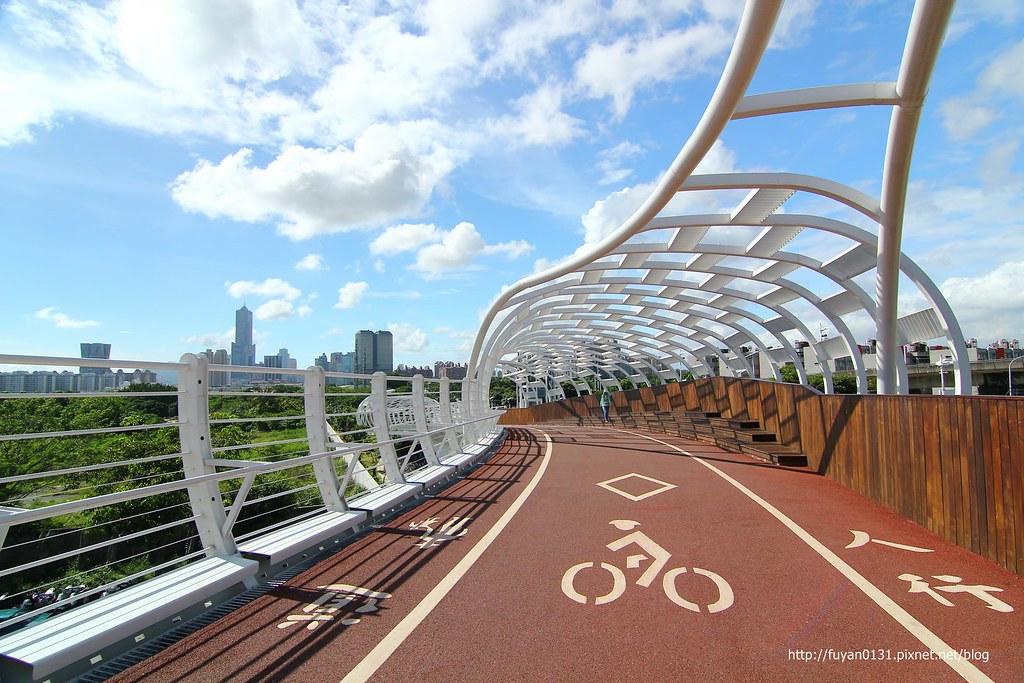 【高雄前鎮區】最美自行車道「前鎮之星」來個晴天版 @ 富嵃 享旅行 ・ 享攝影 :: 痞客邦