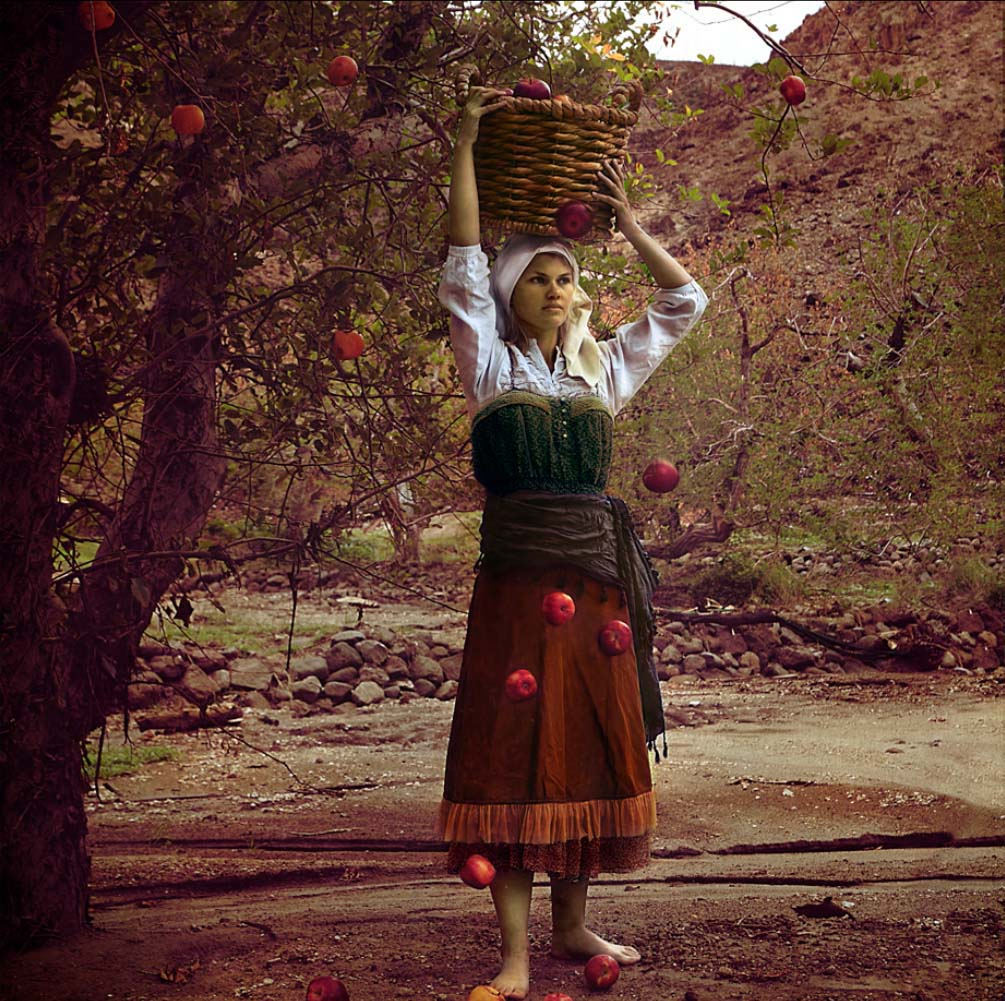 Rebecca Alejandra für Ars Antigua, The Apple Picker, 15. September 2011