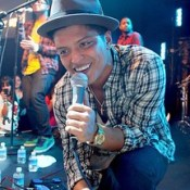 Bruno Mars Tour Dates & Setlist For 2017 '24k Magic' Tour – The King Of Tickets Blog http://ow.ly/ahSv306el41