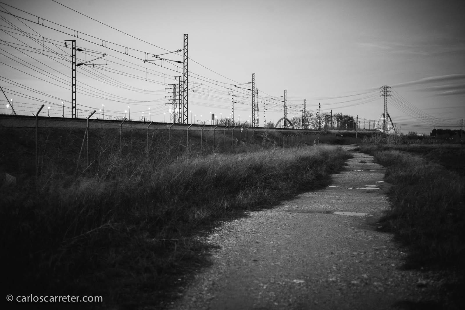 Ferrocarril hacie el puente sobre el Ebro