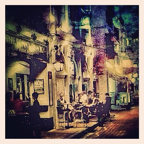 Street Scene at Boat Quay #singapore by @MySoDotCom