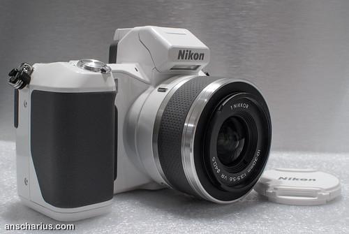 Nikon 1J2 versus Nikon 1V2 #1