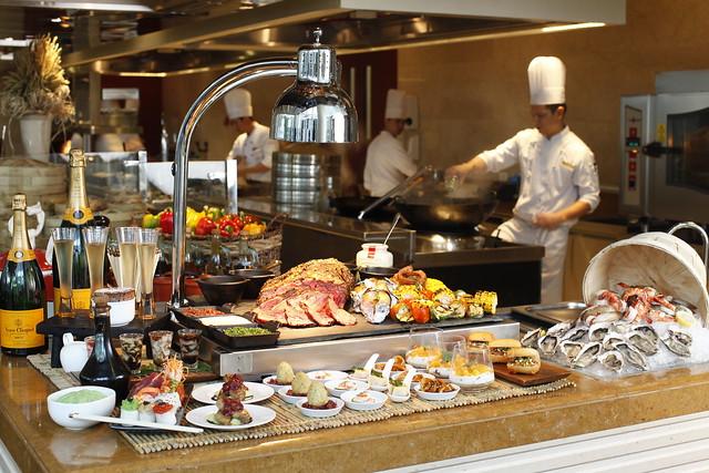 Spectrum buffet at Raffles