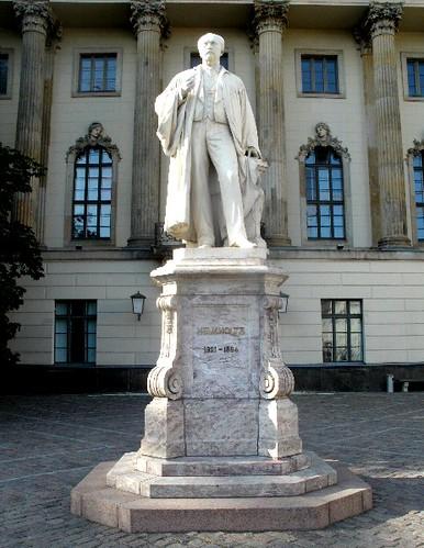 Helmholtz-Statue