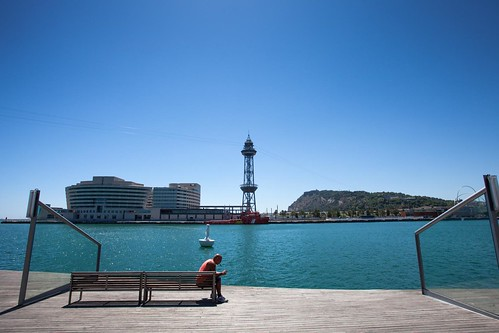 Barcelona Pier by esquimo_2ooo
