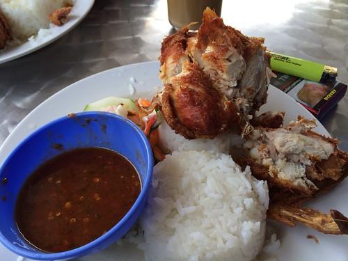 Azman vs Hazman vs Food : Nasi Kukus Utara, Sungai Buloh. by aimedianet